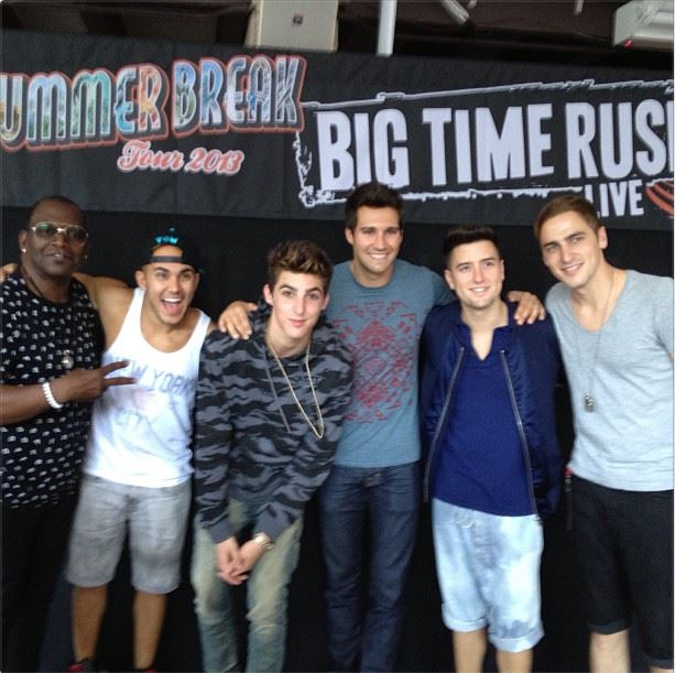 Big time rush and victoria justice kick off the summer break tour picture m4hsunfo